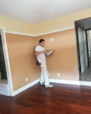 painting contractor Claremont before and after photo 1563313056770_Caulking_400X500